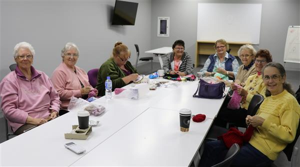 Armidale knitters at work1